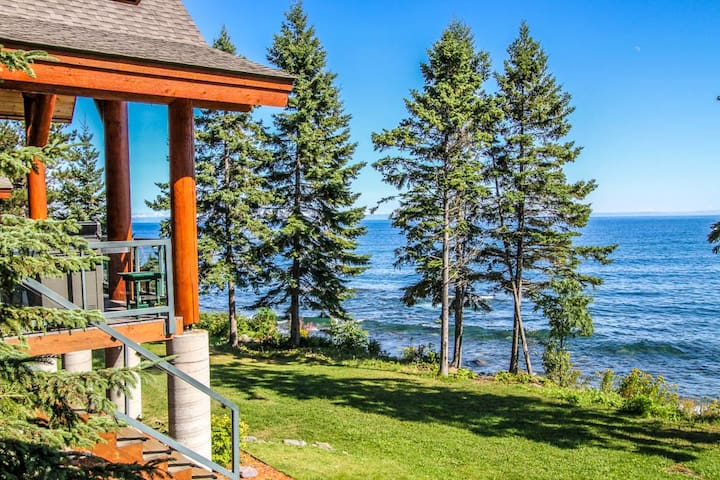 Temperance Landing 24 is a luxury log home nestled on the edge of Lake Superior in the town of Schroeder, MN.