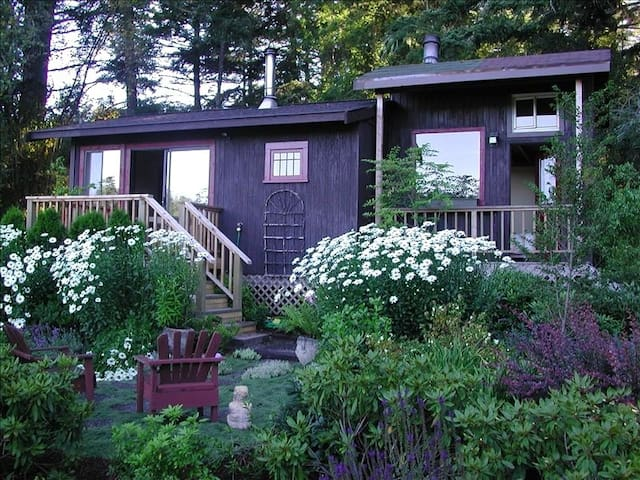 San Juan Island Cabin At WillowPond