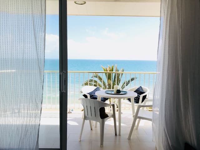 Lovely beachfront apartment in Calafell Platja