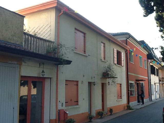 Flat near beeches and Venice, in a peacefull town