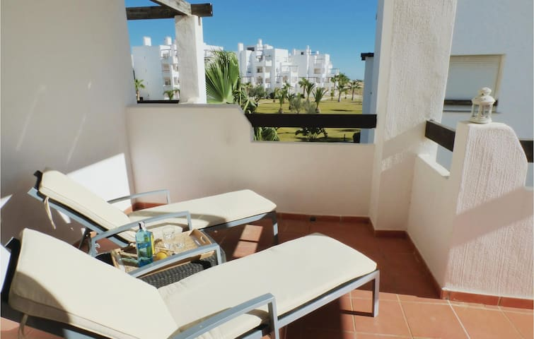 Holiday apartment with 2 bedrooms on 55 m² ECC489