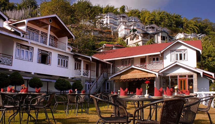 Norbu Ghang Resort - Deluxe Rooms - Pelling - Villa