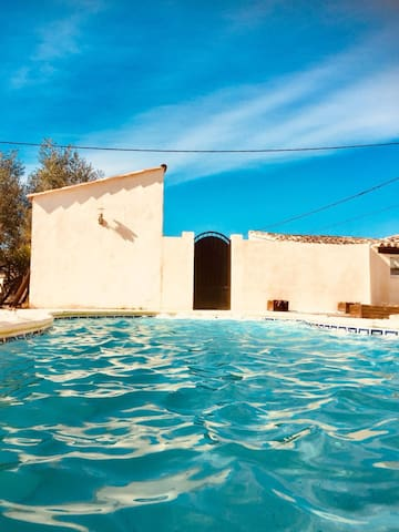 Grande villa avec piscine balnéo