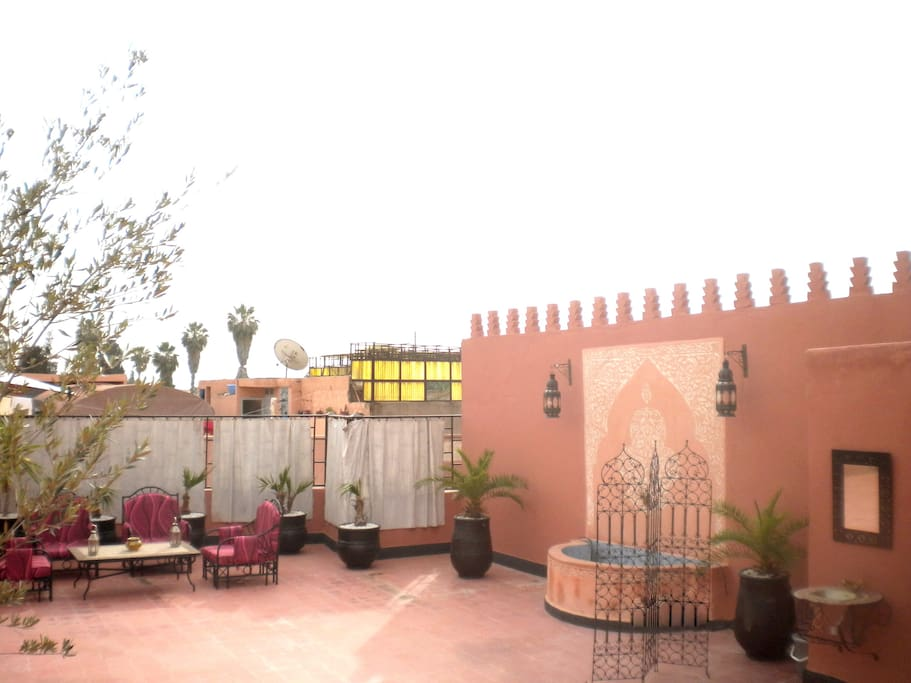Your private rooftop terrace (ll)