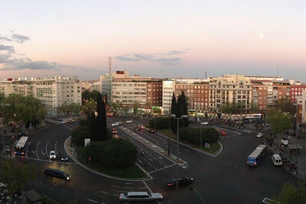 Vista de la Plaza Manuel Becerra desde el balcón