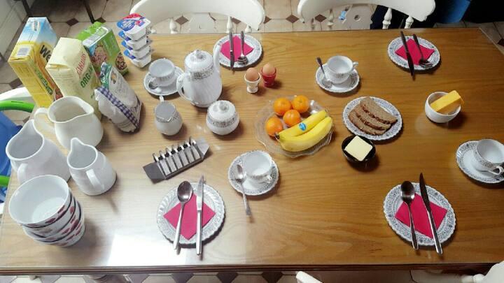 Double Room 40e pn Breakfast incl