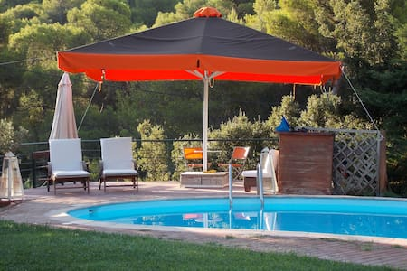 Private countryhouse with pool near Athens airport - Kouvaras - House