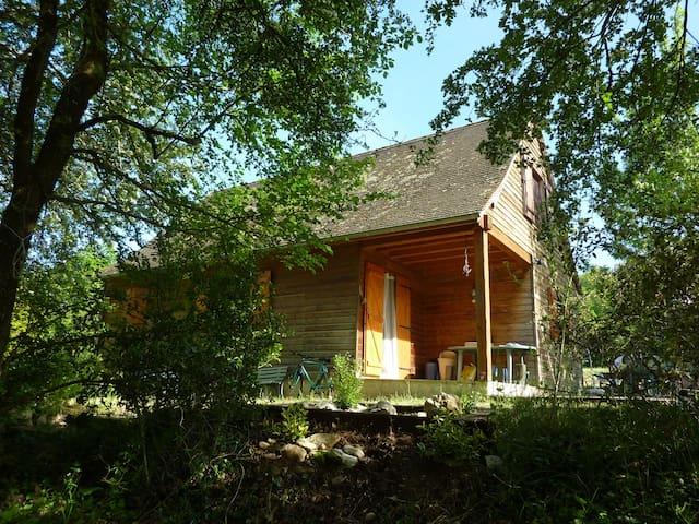 Le Chalet Chabeaux à Granou (Lot) - Loubressac - House