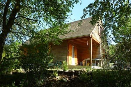 Le Chalet Chabeaux à Granou (Lot) - Huis