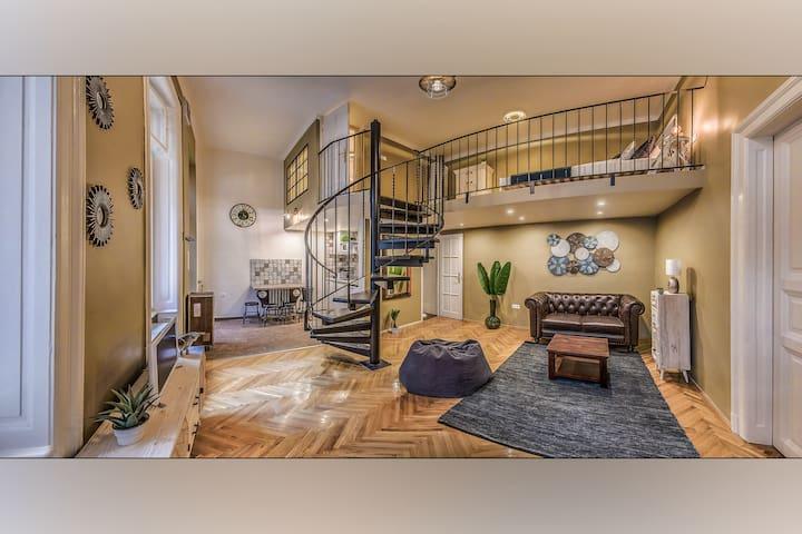The Loft Mondain: designer loft in the city center