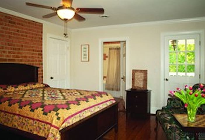 Shenandoah Manor B&B - Vermeer Room - Lexington - Bed & Breakfast