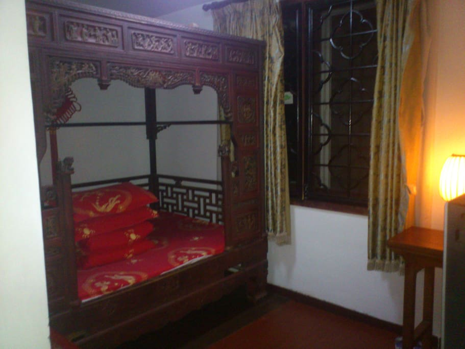 Chinese Old-fashioned Double Bed Private