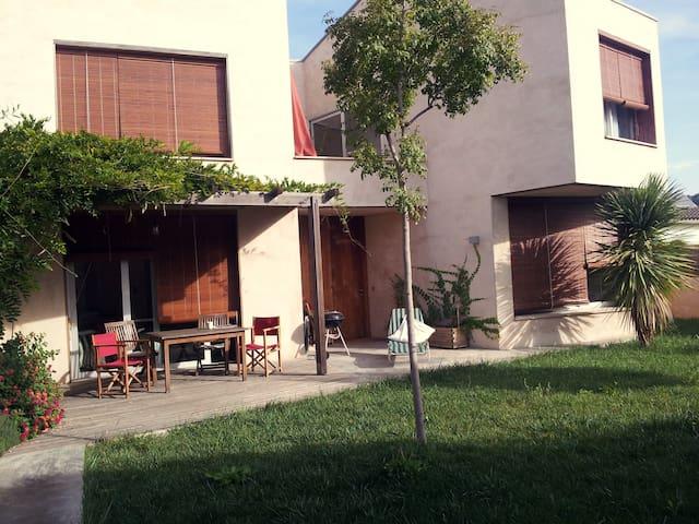 Casa con jardín en Empordà - Pontós - Dom