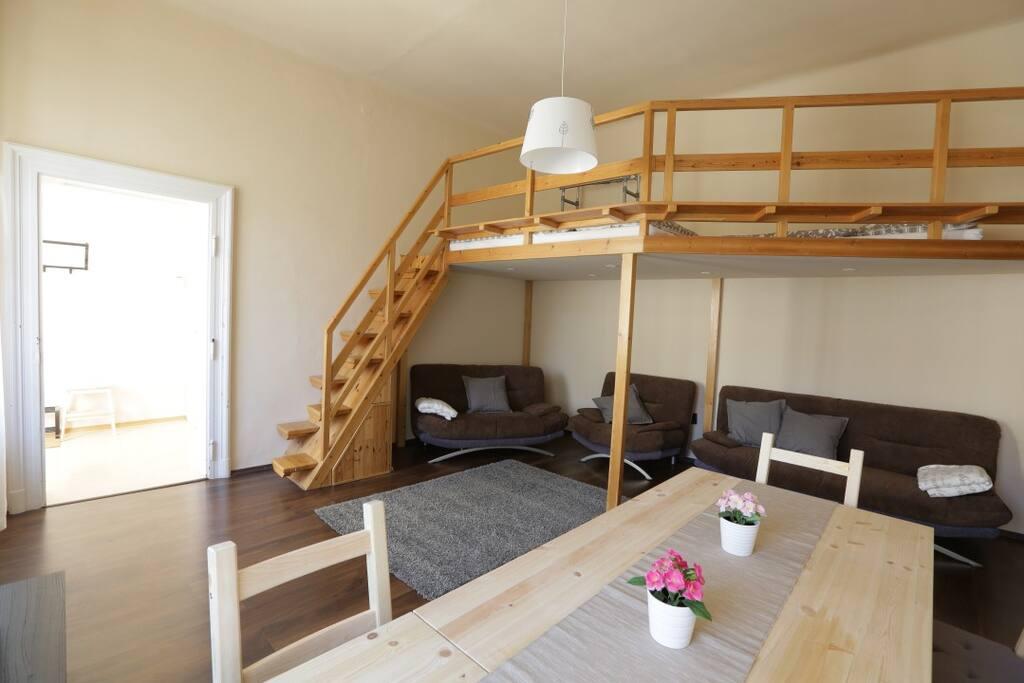 Living room&Gallery