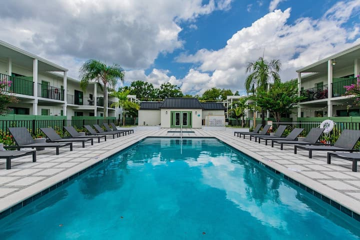 Upgraded Luxury with Pool, Gym & Perfect Location!