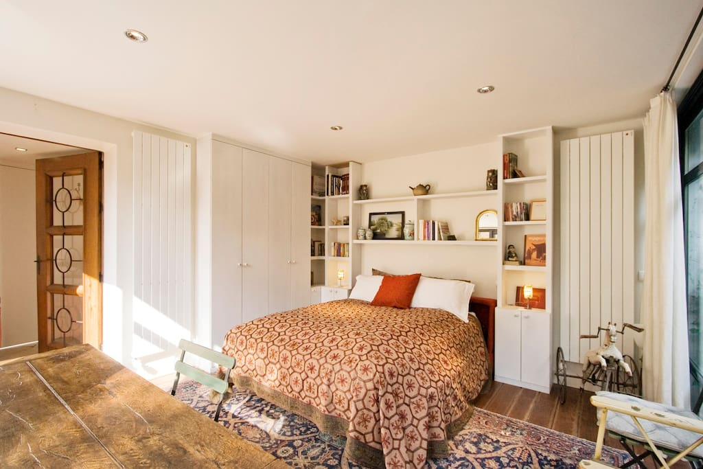 paris bambou garden studio neuilly sur seine b b ile de france. Black Bedroom Furniture Sets. Home Design Ideas