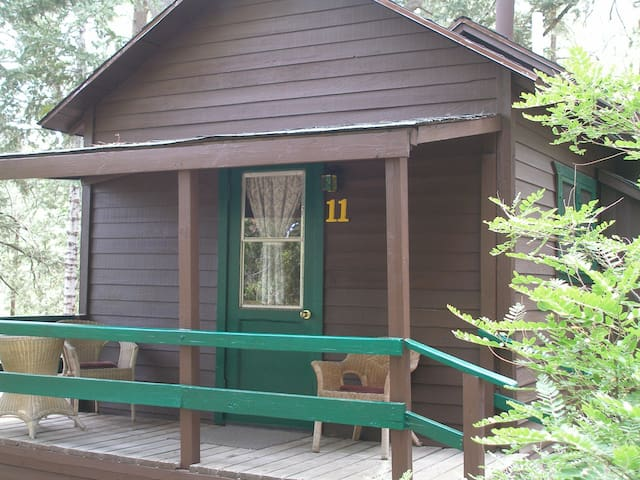 Cabin #11  For Two Guests - Angelus Oaks
