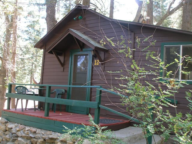 Cabin #12   For Two Guests - Angelus Oaks - Srub