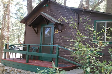 Cabin #12   For Two Guests - Angelus Oaks