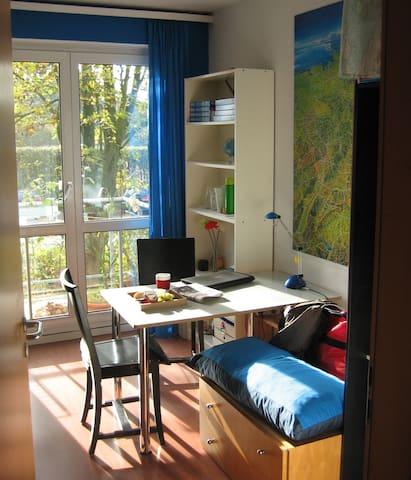 Im Grünen mit Balkon - Hamburgo - Bed & Breakfast