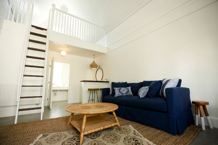Cottage Suite - Sofa, Queen - Buena Vista - Apartment