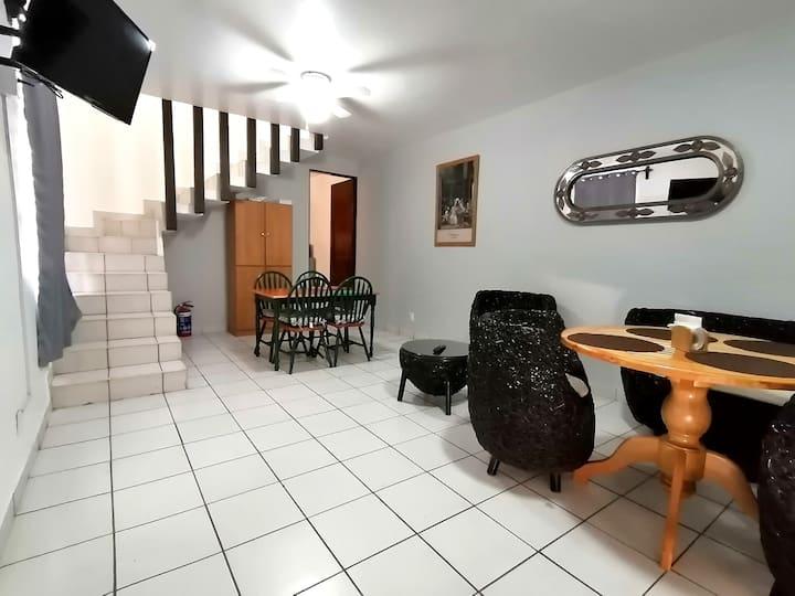 Duplex 2 habs. 3 camas 1 baño Cocina Netflix WiFi