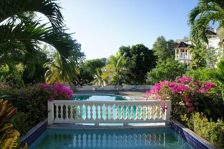 Blue Horizons penthouse 2bd seaview in Ocho Rios