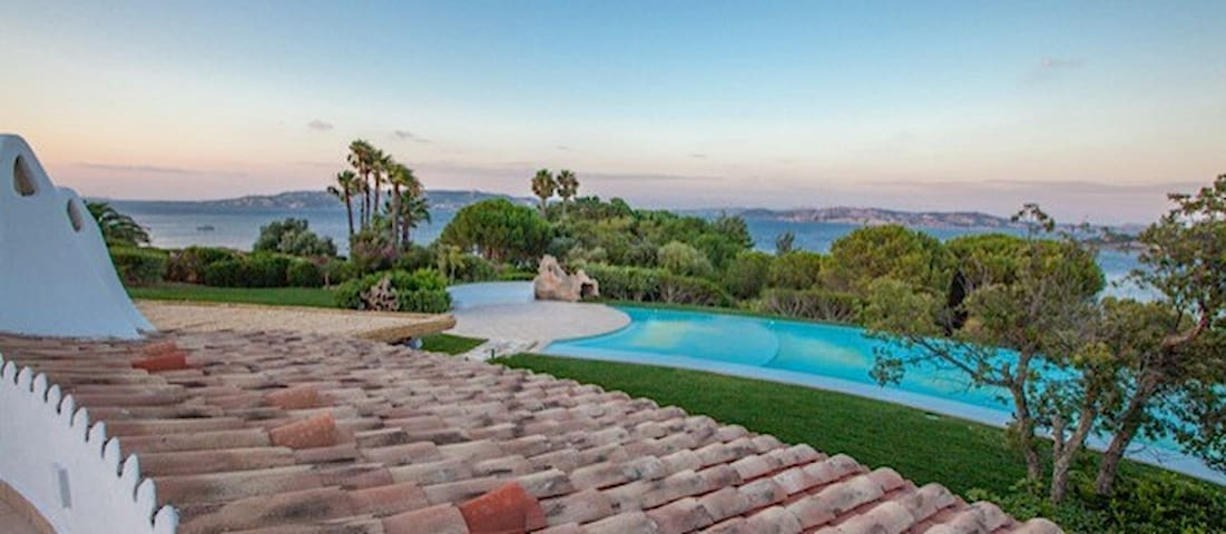 Villa PORTO RAFAEL, infinity pool and beach - Punta Sardegna - Apartament