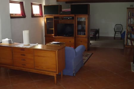 Generous  Studio Downstairs  (Mostly Private) - Nowra - Rumah