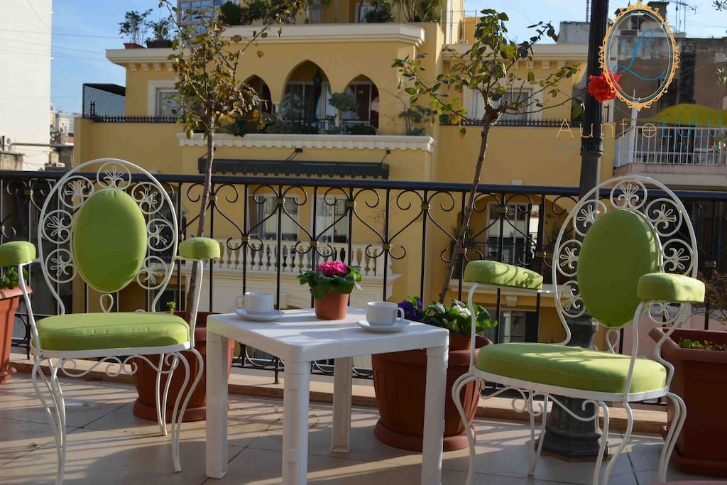 Lounge at the roof top terrace and enjoy free Wifi