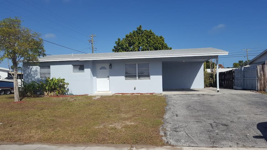Cabana Colony/Palm Beach Gardens Private Room Two