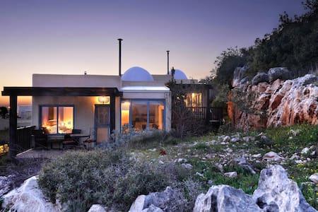 Darna Bagalil - Merlot suite - Lavon - Blockhütte