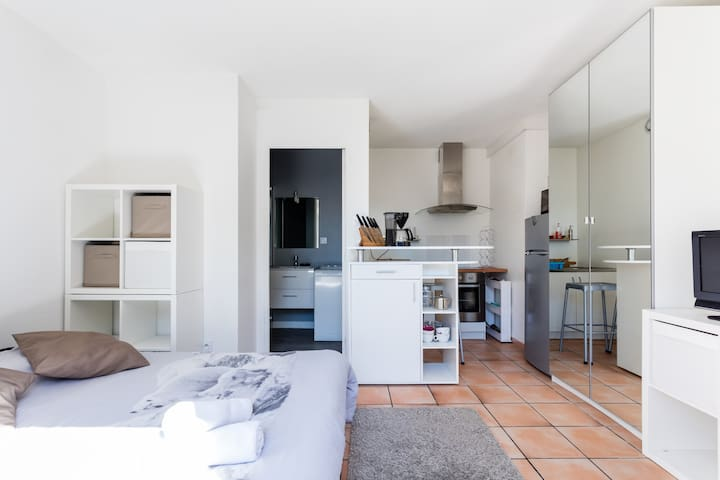 Cosy & Charming Studio, 8 min from City Center - Montpellier - Flat