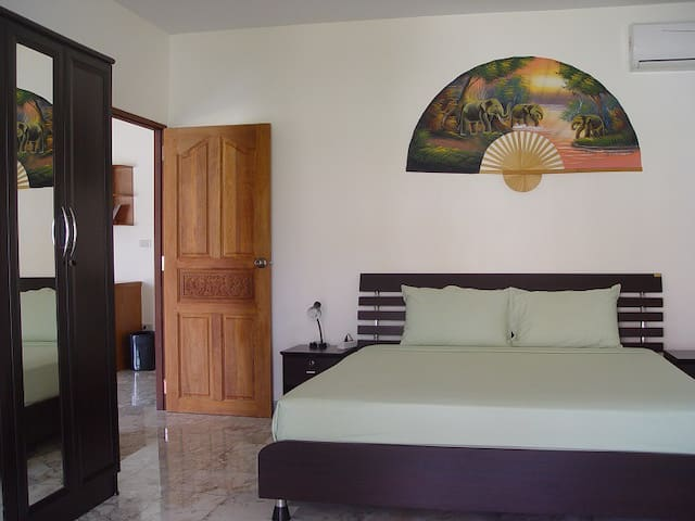 Luxury Bungalow for 2-4 Pax green - Cha-am - Dům