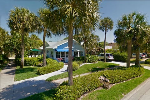 THE HOUSE - 32 Steps to the Beach - Beautiful Clearwater Beach Home just across from the Beach - Drive to your door.