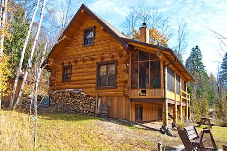 Room type: Entire home/apt Property type: Chalet Accommodates: 11 Bedrooms: 4 Bathrooms: 2