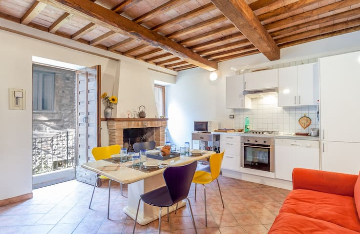 Charming townhouse in Umbria - Fratta Todina