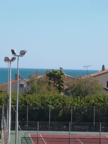 la petite vue mer