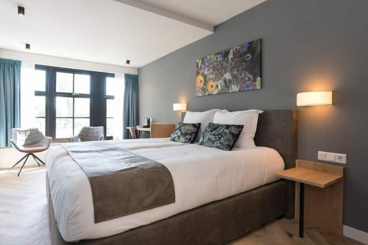 Hof van Holland Hotel Room 9