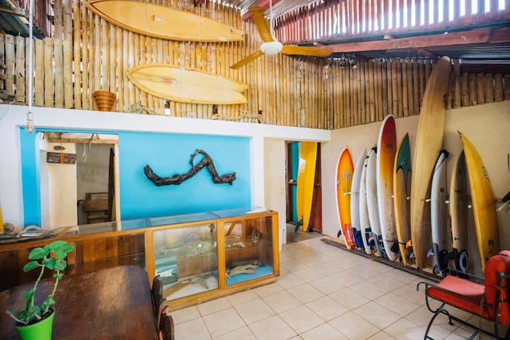 SURFHOUSE PAVONES  ocean front dorms with a.c