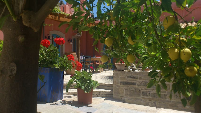 Erholung, Ruhe und nette Nachbarn! - Peri - Casa