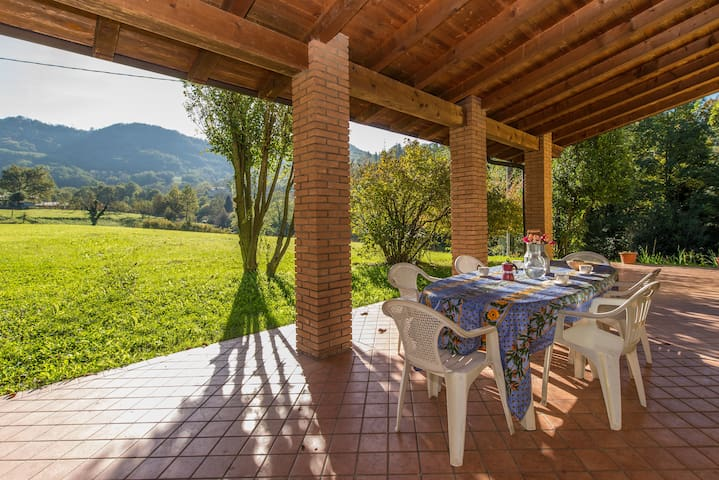 Villa in the Countryside with swimming pool - Entratico - Huis