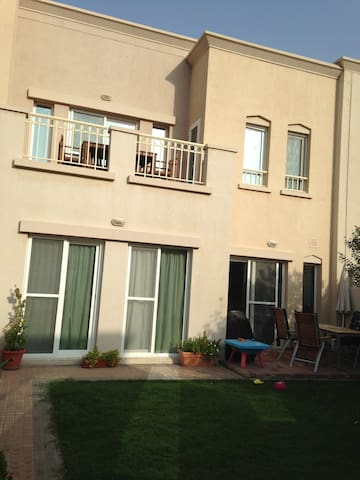 3 bedroom townhouse  - Dubai - House