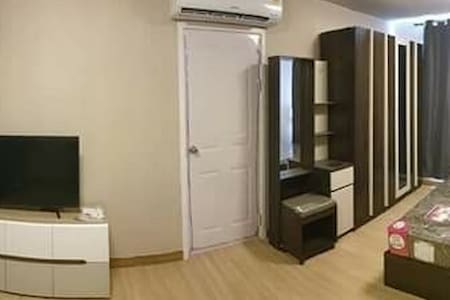 Plum condo Phahol 89, a studio fully furnished