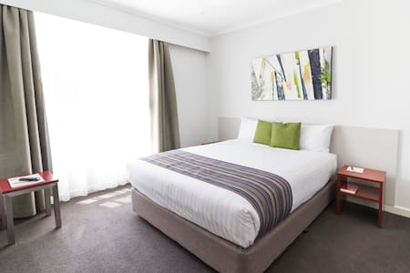 Stylish Studio Apartment in Canberra's Inner South