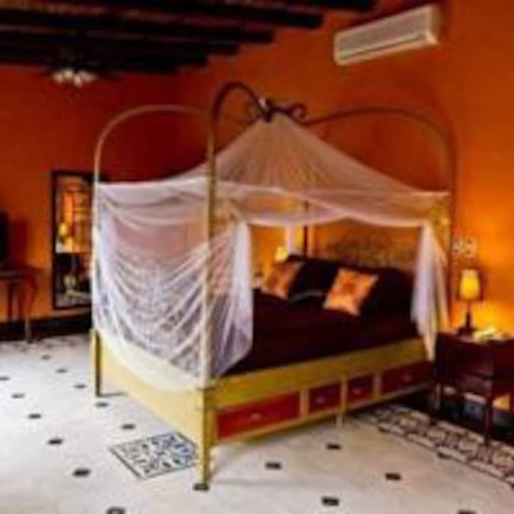 Beautiful Intimate Suite in Guesthouse Casa Cubana