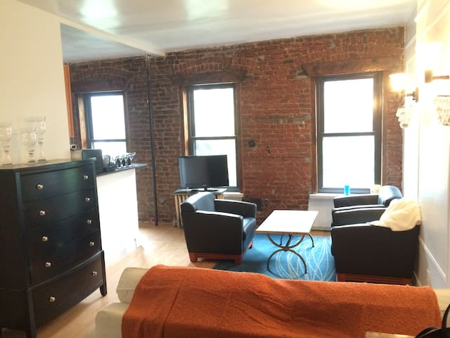 NYC,Modern and Spacious Apt - Apartments for Rent in New York, New ...