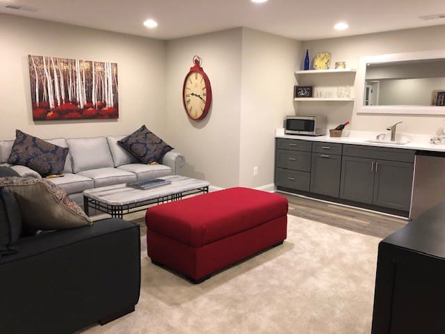 New 1 bedroom Ashburn apartment on the W&OD Trail