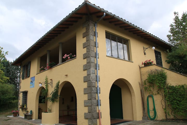 Lovely villa with pool in Tuscany - มอนเตซเปอโตลี - วิลล่า