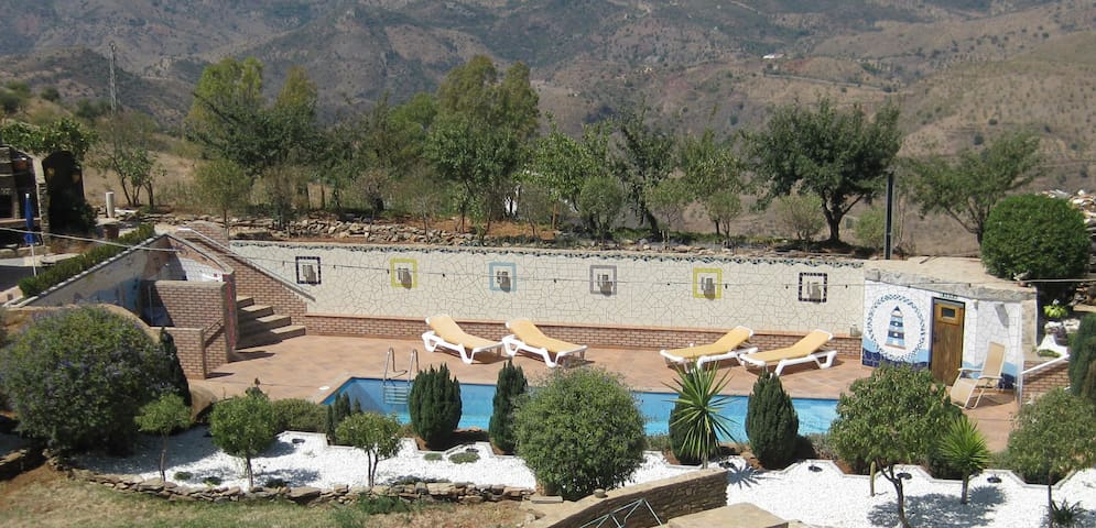 Urlaub geniessen in den Bergen über Malaga - Almogía - Apartment